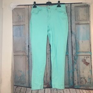 Crown & Ivy mint green skinny jeans size 8